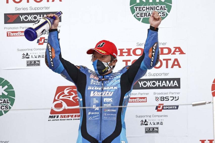 【Team KAGAYAMA】全日本ロードレース選手権シリーズ 第2戦 レース1で3位表彰台を獲得! 最年長表彰台記録を更新!!